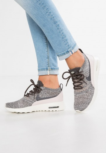 Nike Footwear Air Max Thea ULTRA Flyknit - Chaussures de Sport Basse/Faible - Minuit Brouillard/Rouge Siltstone/Voile - Femme