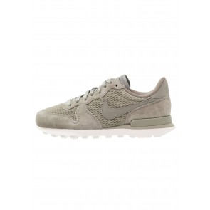 Nike Footwear Internationalist Premium - Chaussures de Sport Basse/Faible - Brun/Gris Stuc Foncé - Femme
