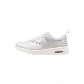 Nike Footwear Air Max Thea PRM LEA - Chaussures de Sport Basse/Faible - Argent/Platine Métallique/Platine Pur - Femme
