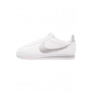 Nike Footwear Classic Cortez - Chaussures de Sport Basse/Faible - Blanc/Argent Métallisé/Gris Loup - Femme