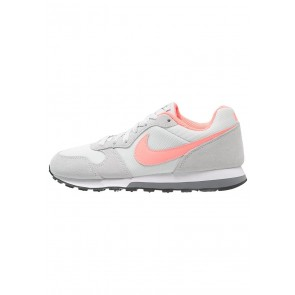 Nike Footwear MD Runner 2 - Chaussures de Sport Basse/Faible - Platine Pur/Lava Glow/Gris Frais/Blanc/Noir - Femme
